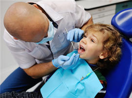 变身牙医,保卫牙齿进行时